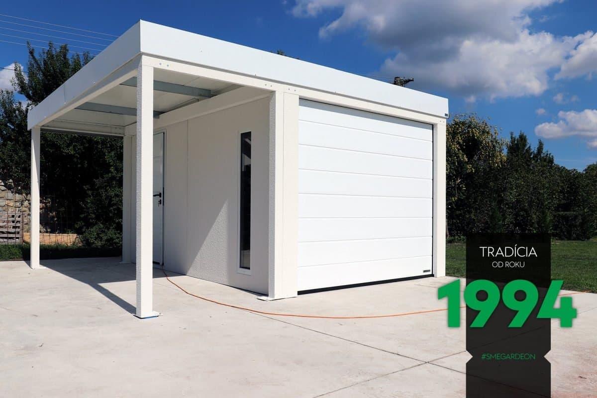 Eine schlichte weiße Garage von GARDEON mit Überdachung