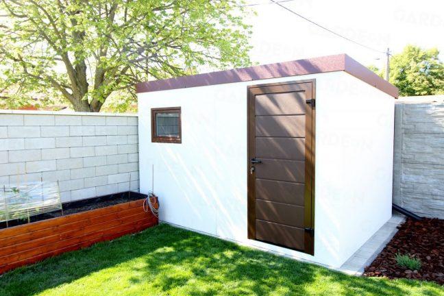 Schlichtes weißes Gartenhäuschen von GARDEON