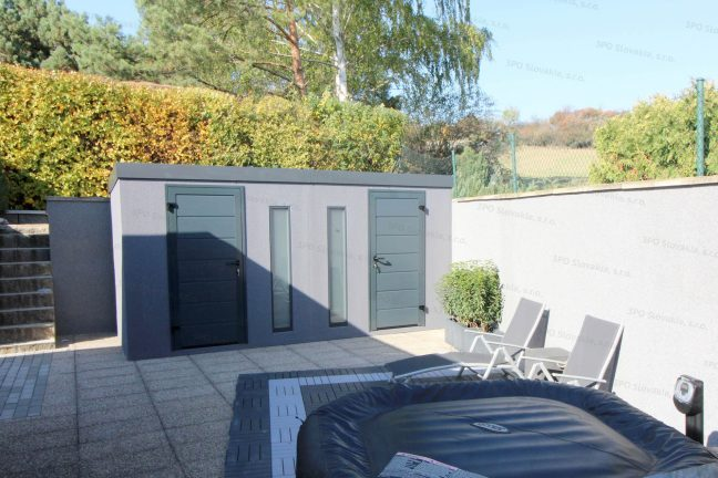 Ein Gartenhaus mit den Türen LPU40 von Hörmann