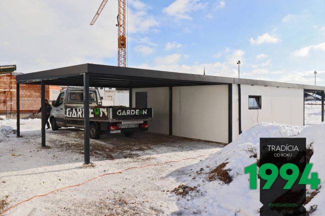 Maßangefertigte GARDEON Garage mit 2 Überdachungen - links und rechts