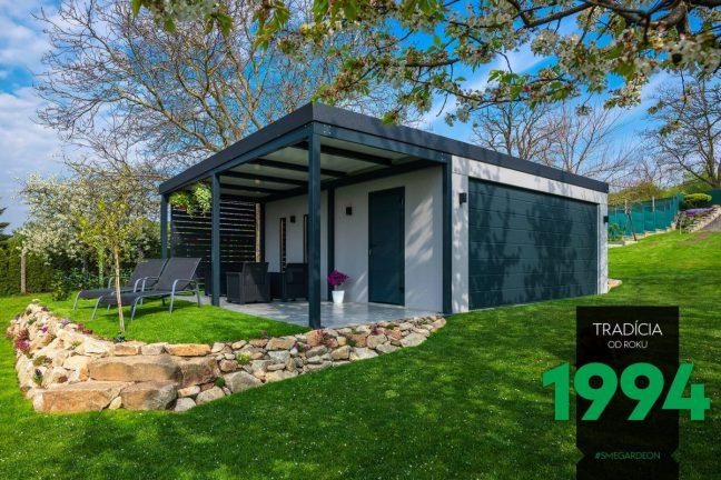 GARDEON Garage mit Überdachung in einem schönen, gepflegten Garten