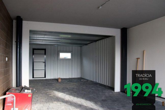 Spezielle Montage GARDEON - Garage genau an den Grundstück angepasst