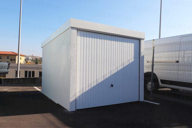 Die Garage komplett in weiß