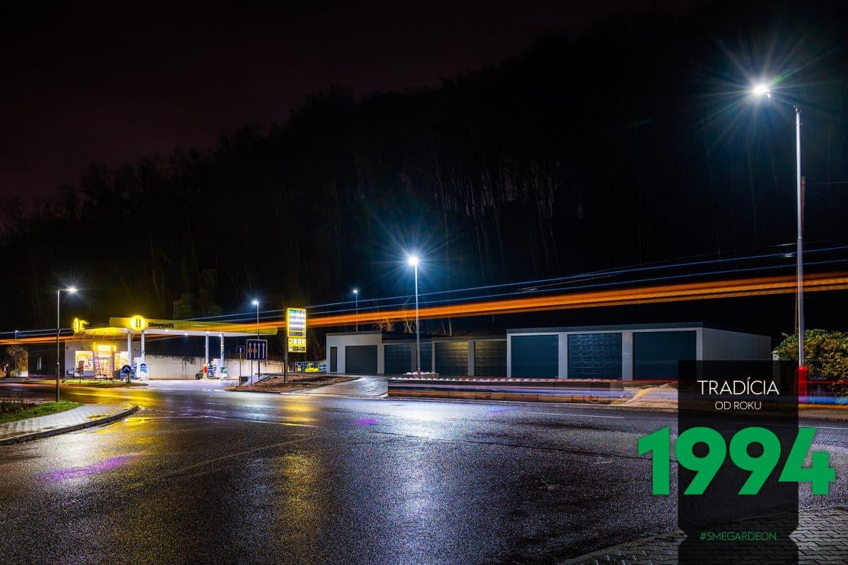 Reihengaragen GARDEON - Nachtfoto