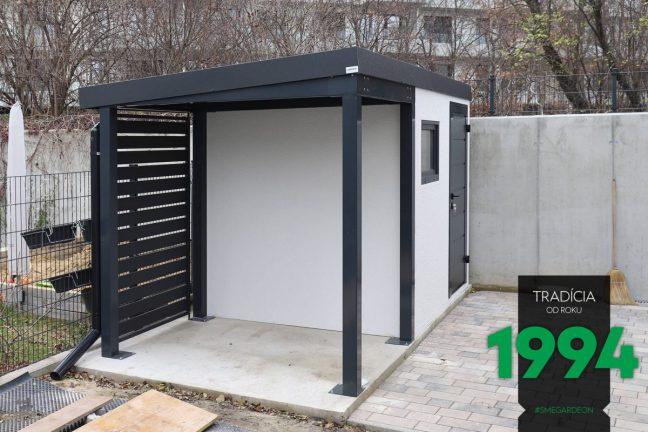 Wartungsfreies Gartenhaus von GARDEON mit einer EXTRA Überdachung
