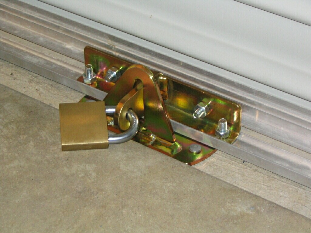bezpecnostne zamky garaze