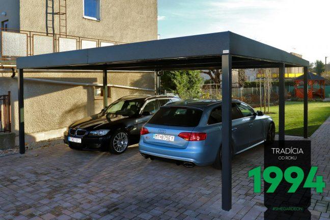 2 Autos geparkt unter dem Doppelcarport von GARDEON