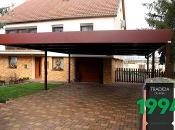 Großes montiertes GARDEON Carport in Farbe Braun