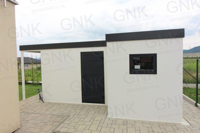 Ein atypisches modernes Gartenhaus mit der gedämmten Tür von Hörmann