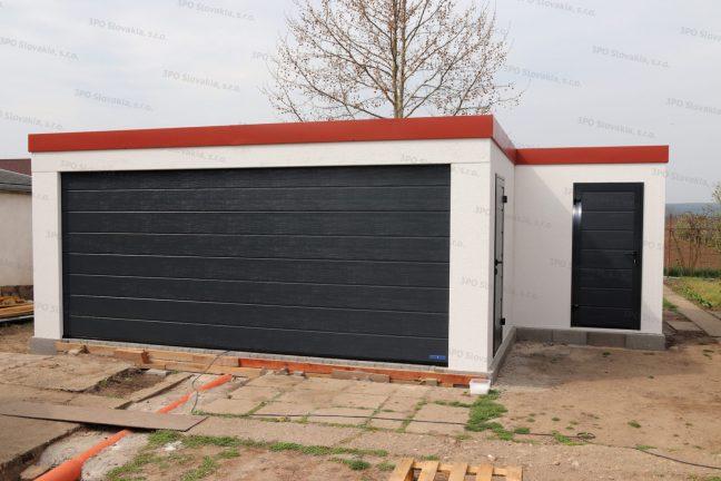 Eine atypische montierte Garage mit einem kleinen Lagerraum von GARDEON