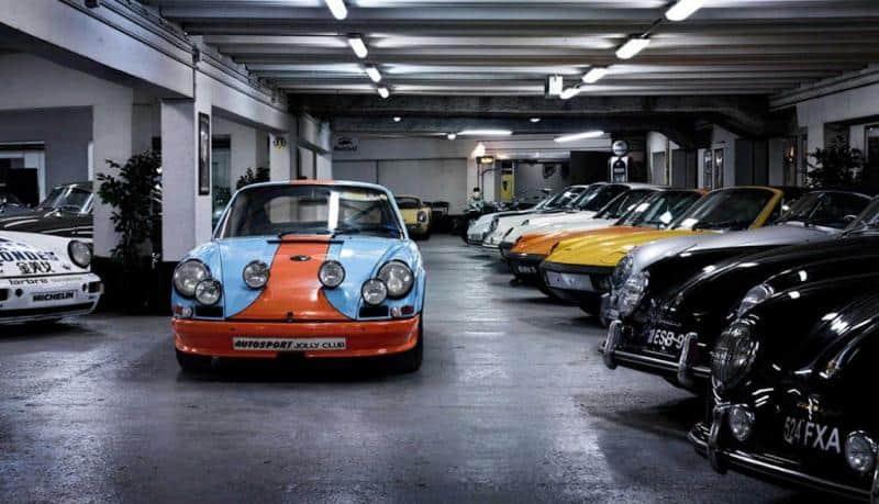 Autos in der Garage