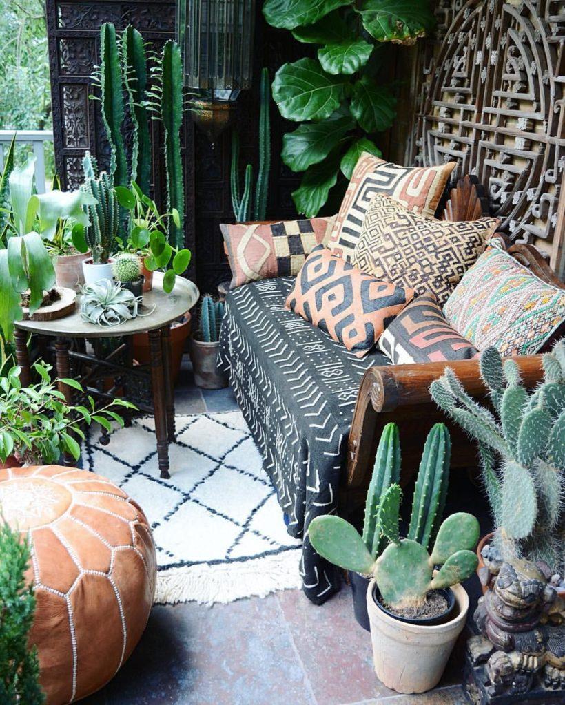 Ein farbfrohes Sofa