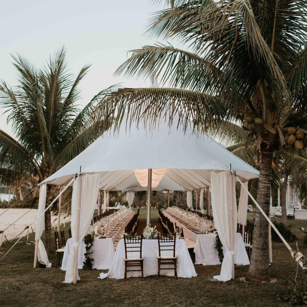 Hochzeitszelt in weiß