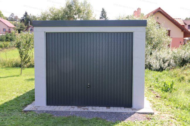 Eine Garage von GARDEON in licht-grau mit Tor in anthrazit