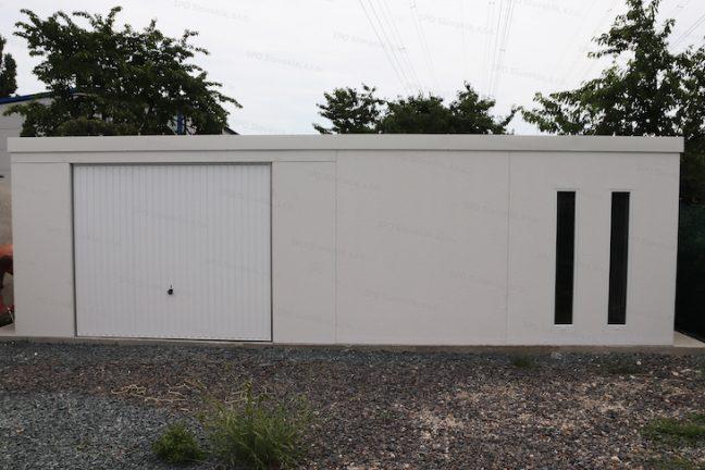 Eine montierte Garage von GARDEON in licht-grau mit Schwingtor und einer ungedämmten Tür