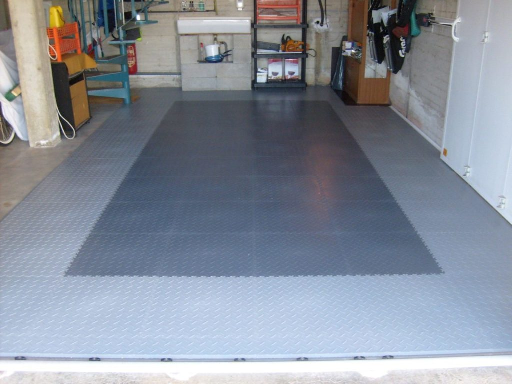 Ein Metall-Boden für die Garage