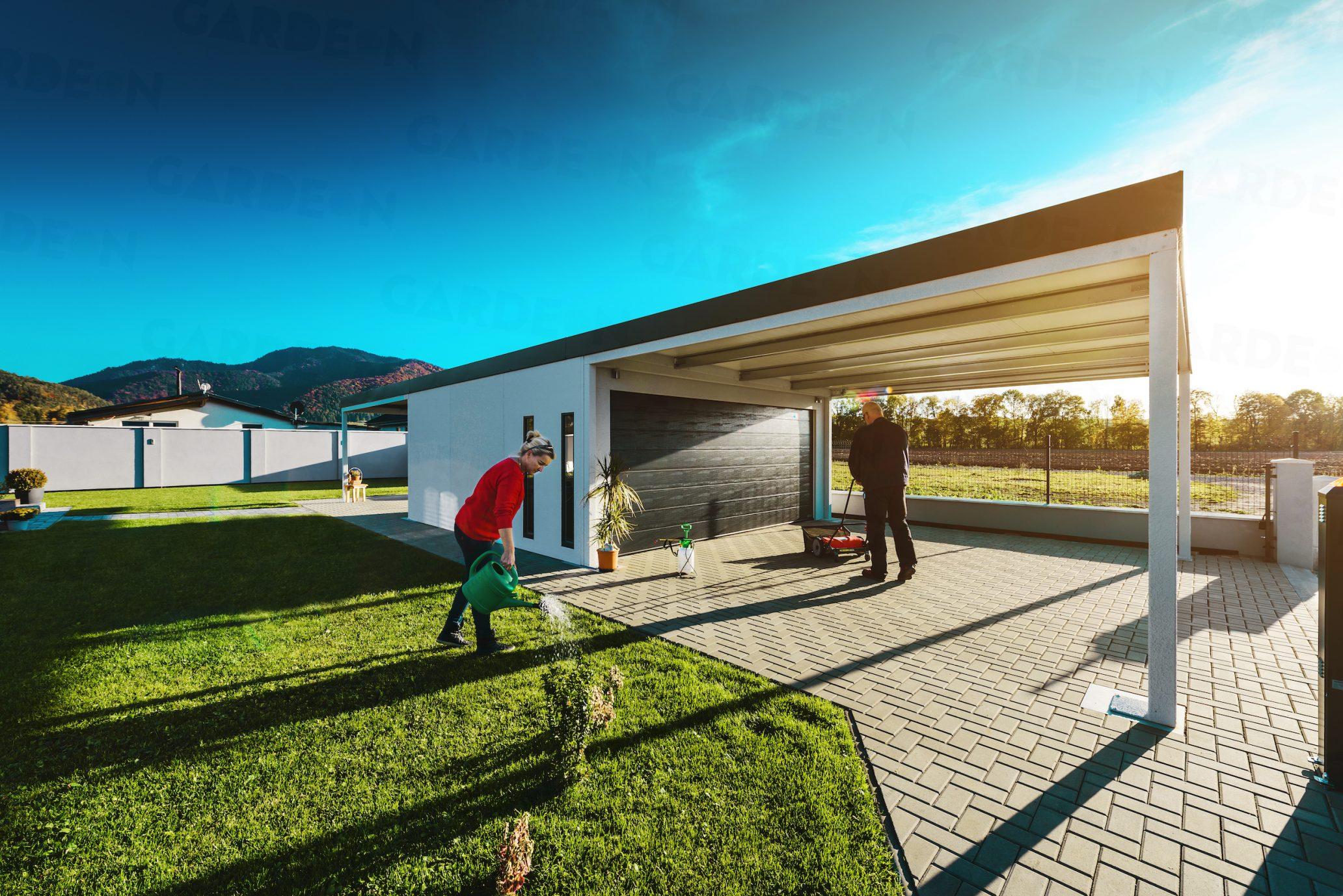 Eine Garage für 2 Auto mit Überdachung vorne und hinten