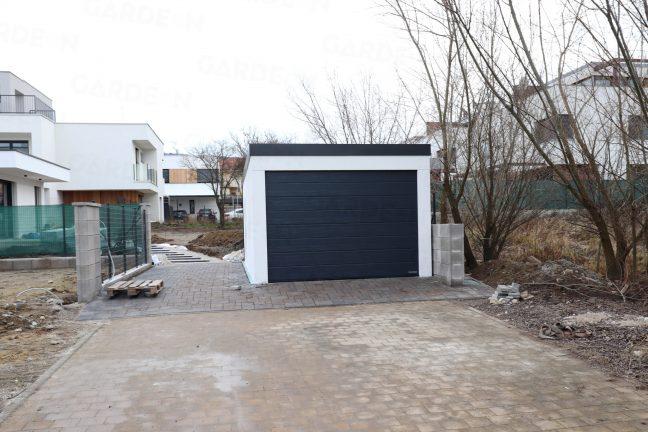 Eine 1-Auto-Garage mit weiß und anthrazit