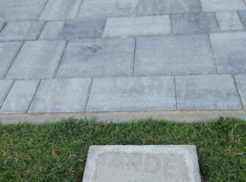 Ein Fußpunkt aus Beton