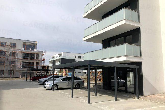 Das Carport von GARDEON vor einem modernen Wohnhaus