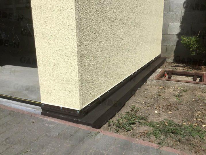 Eine Isolierung für das Fundament eines montierten Bauwerkes