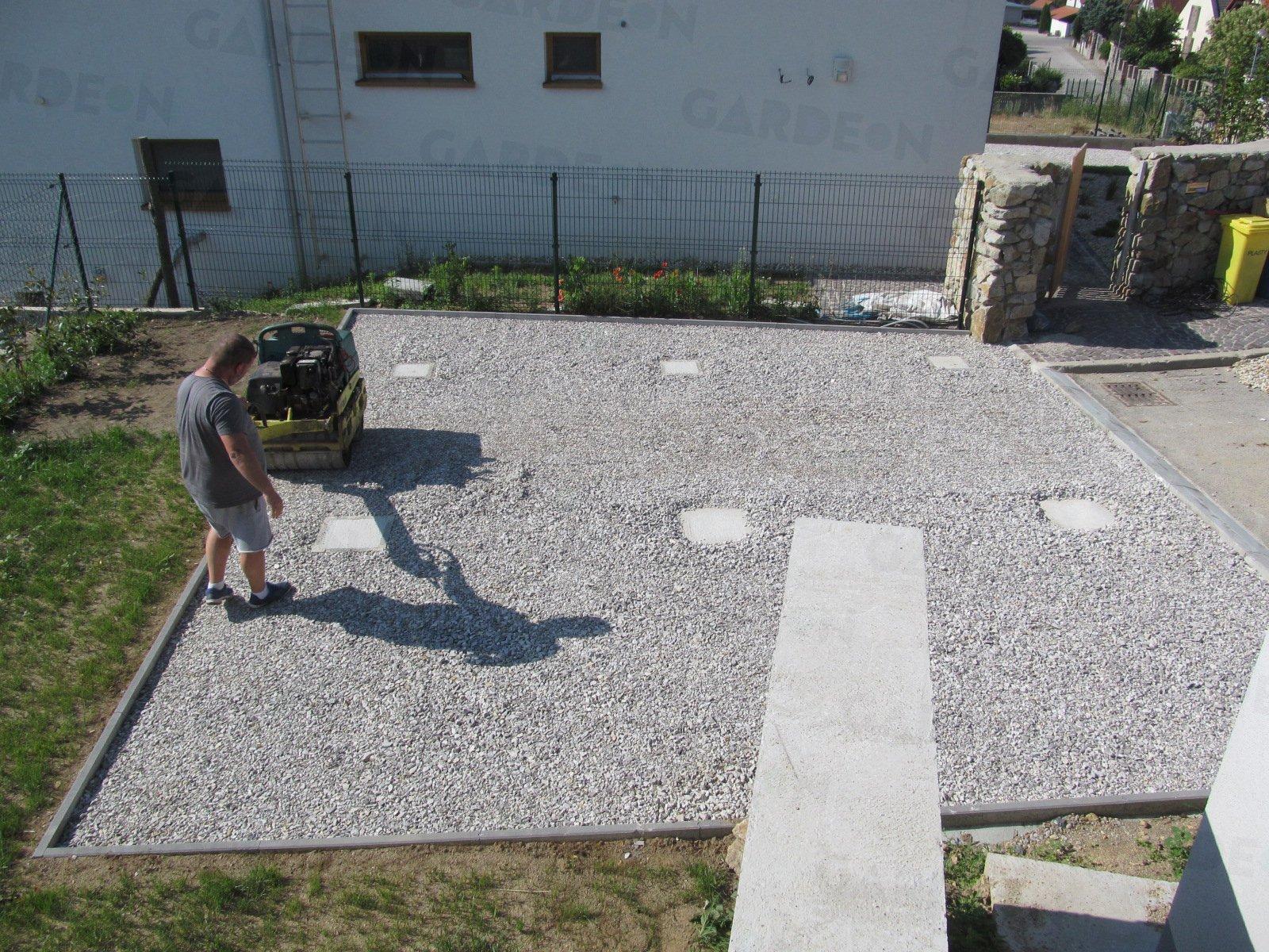 Das Fundament für ein Carport