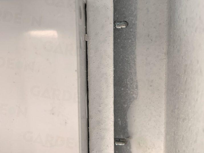 Detail an die Verankerung des Schalters in der Garage