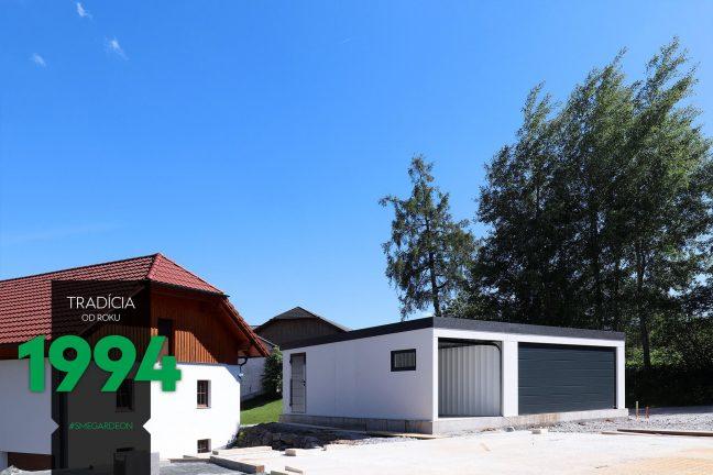 Maßangefertigte weiße GARDEON Garage für 3 Autos