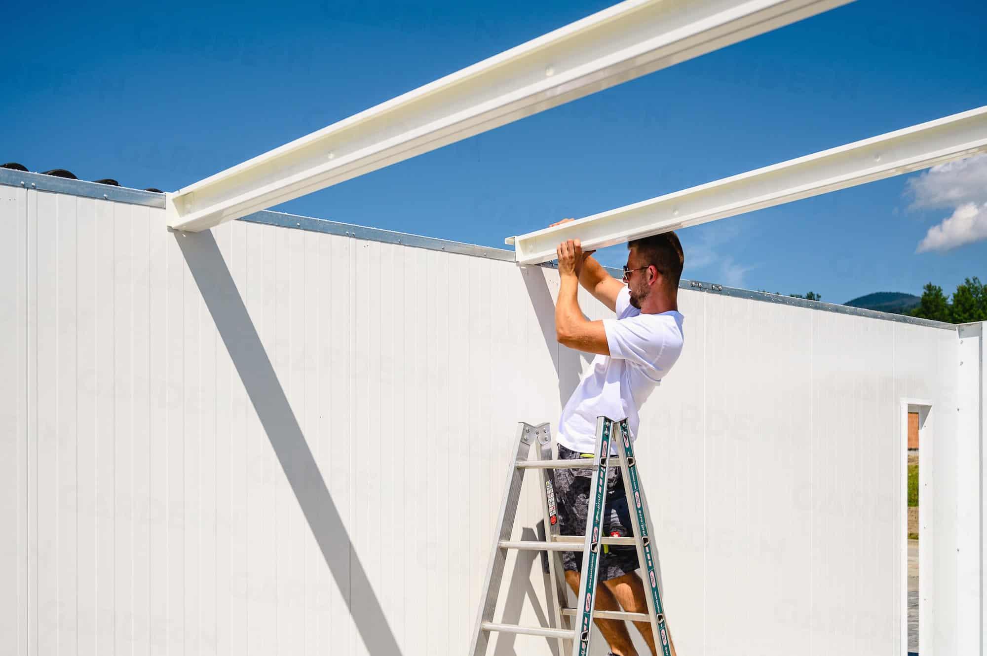 Die Dachträger werden nacheinander versetzt