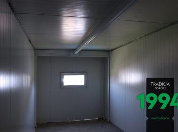 Der Innenraum einer komplett gedämmten Garage