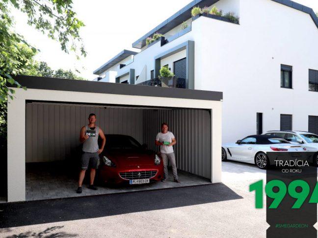 Ein Ferrari parkt in der GARDEON Doppelgarage