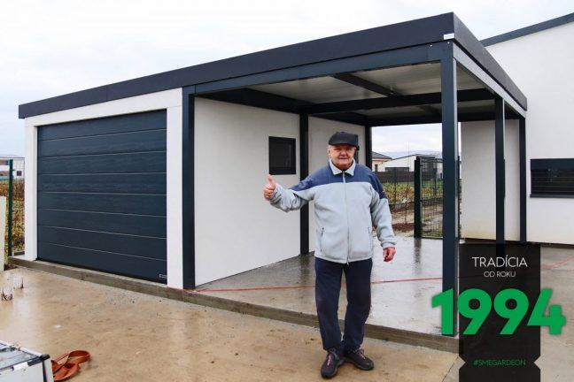 Ein zufriedener Kunden mit seiner neuen Garage von GARDEON