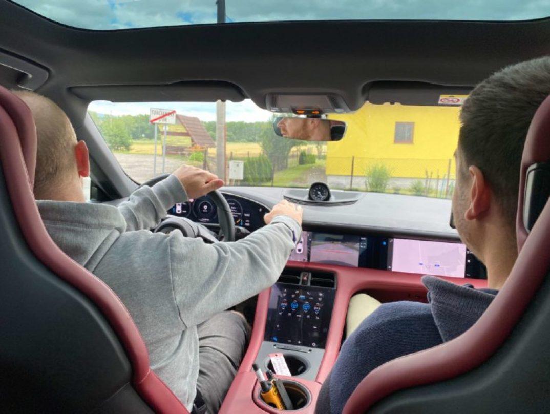 Die fahrt im neusten Porsche Taycan