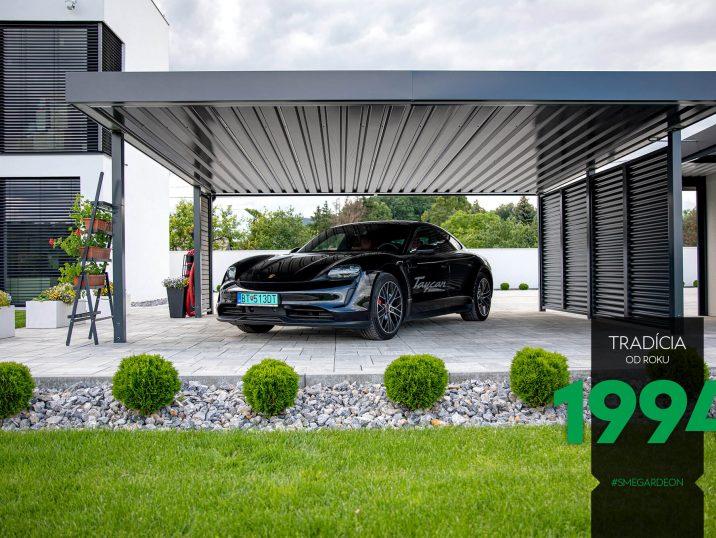 Porsche Taycan unter dem SIEBAU Carport