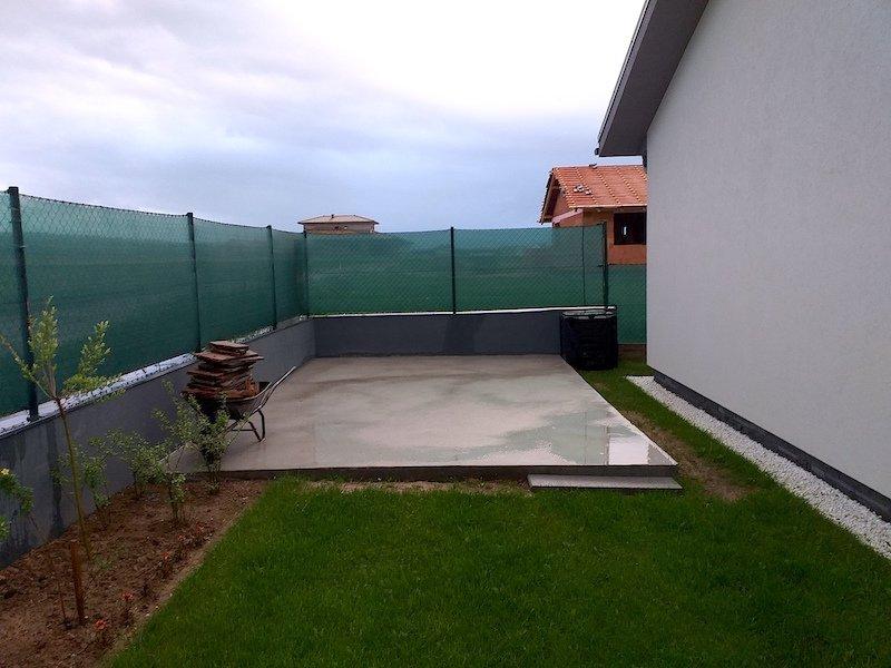 Betonplatte als Fundament für ein Gartenhäuschen von GARDEON