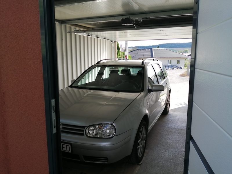 Blankas Auto in ihrer neuen GARDEON Garage
