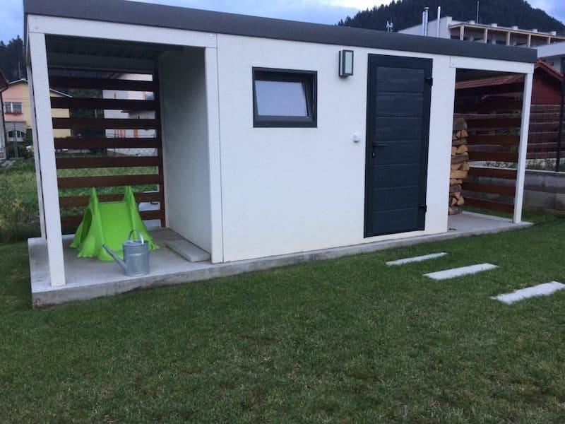 Modernes Gartenhäuschen GARDEON mit 2 Überdachungen