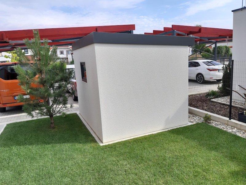 Modernes kleines Gartenhaus von GARDEON aus der Hinterseite
