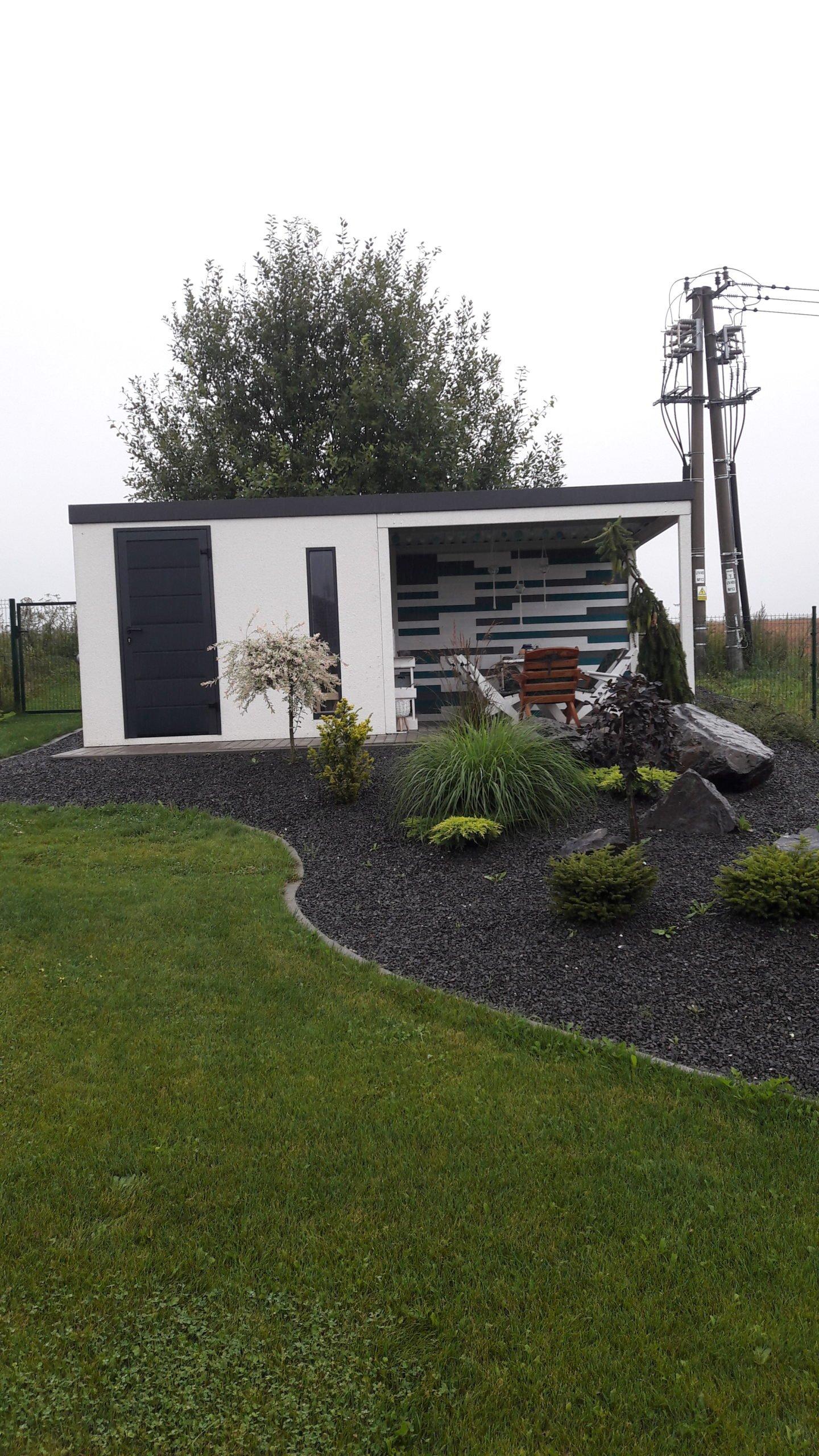 Modernes Gartenhäuschen von GARDEON