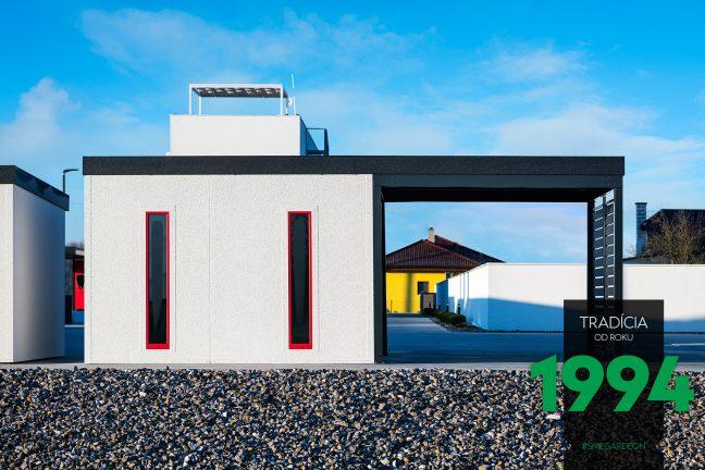 GARDEON: Fertige Gartenhütte mit rotem Zubehör