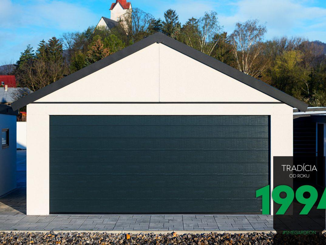 GARDEON: Simple, weiße Doppelgarage mit Satteldach