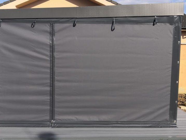 Das blickdichte Tuch an einer Überdachung von GARDEON