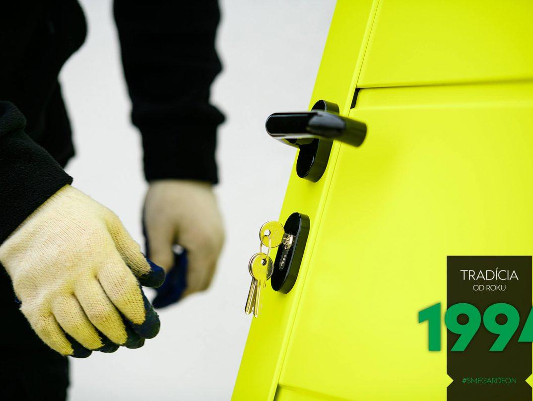 Detailfoto an die LPU42 Tür in gelb