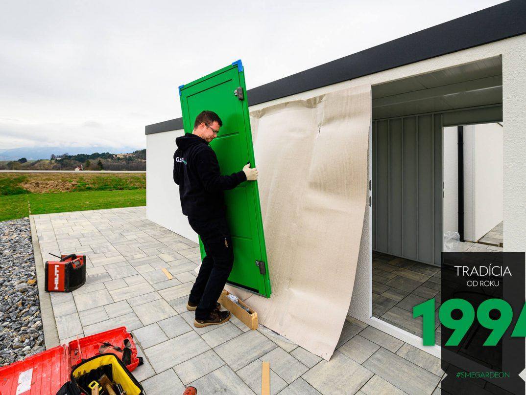 Die neuen grüne LPU42 Tür von Hörmann