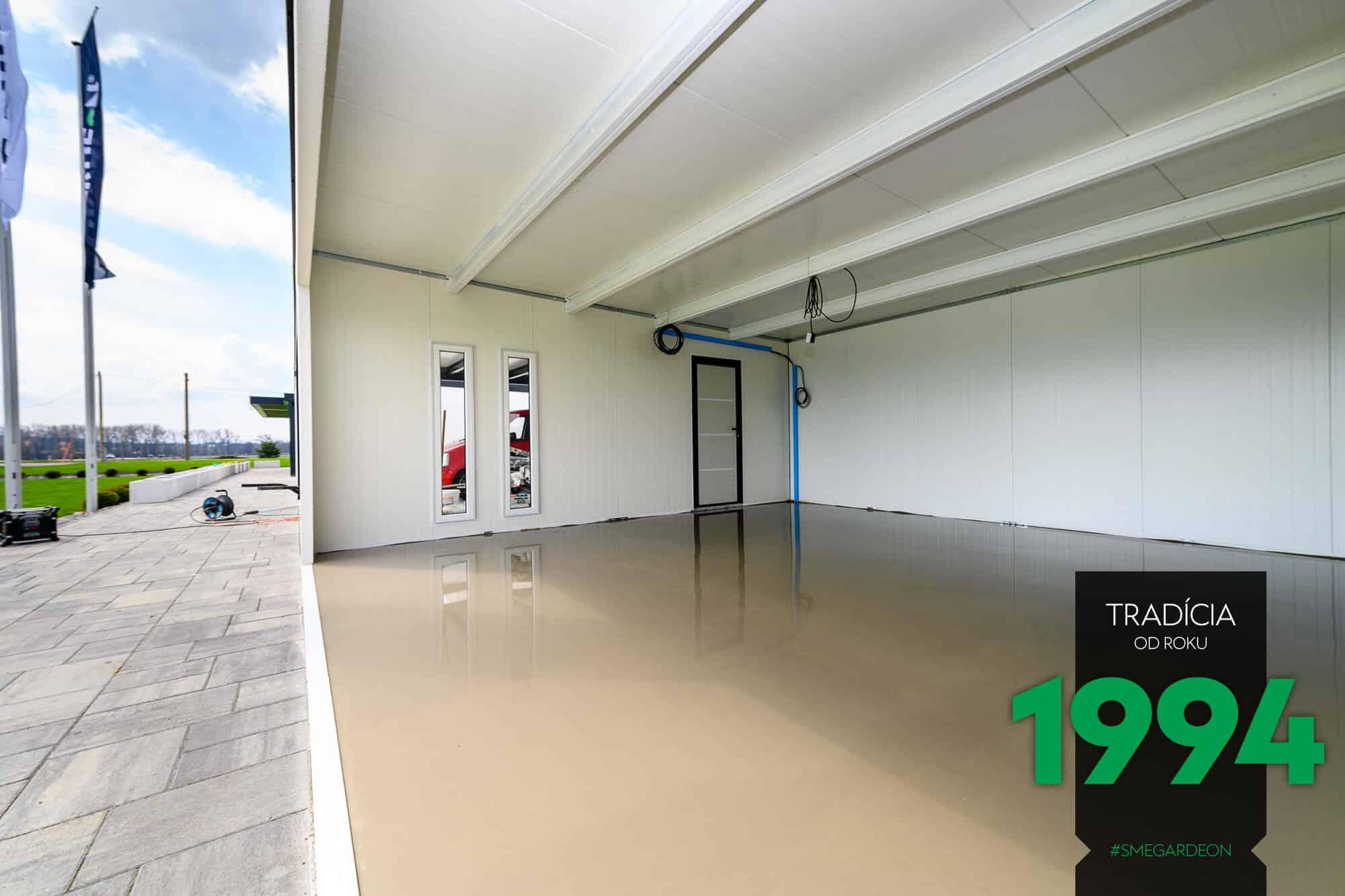 Detailfoto: Der Boden in einer Garage von GARDEON