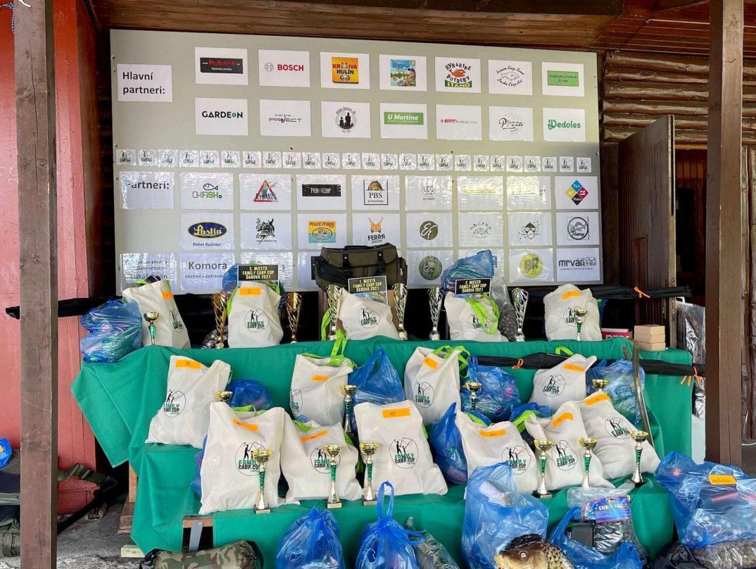 Viele tolle Preise für die Teilnehmer des Angelwettbewerbes