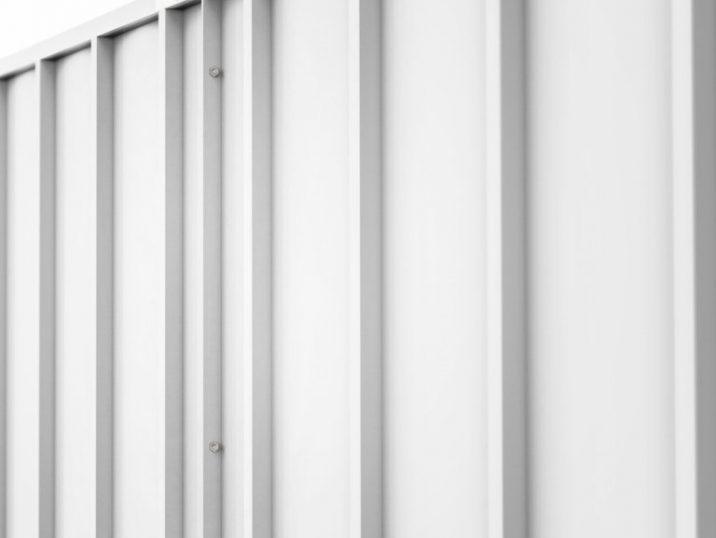 Profil der Wände eines montierten Bauwerkes