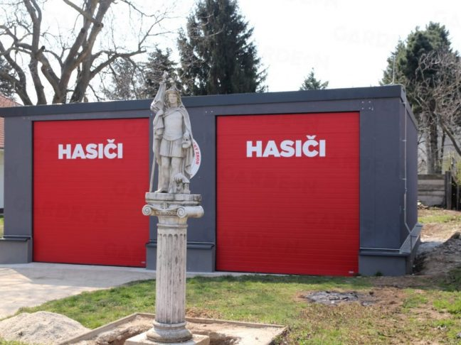 Atypische Garagen für die Feuerwehrmänner