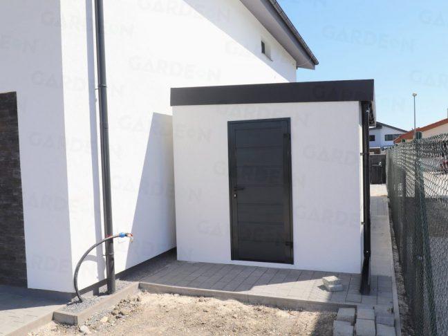 GARDEON Einzelgarage aus der hinteren Seite mit der LPU42 Tür in anthrazit