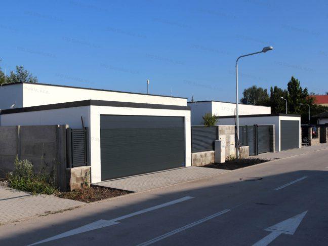 2 Garagen bei 2 Familienhäusern die identisch sind